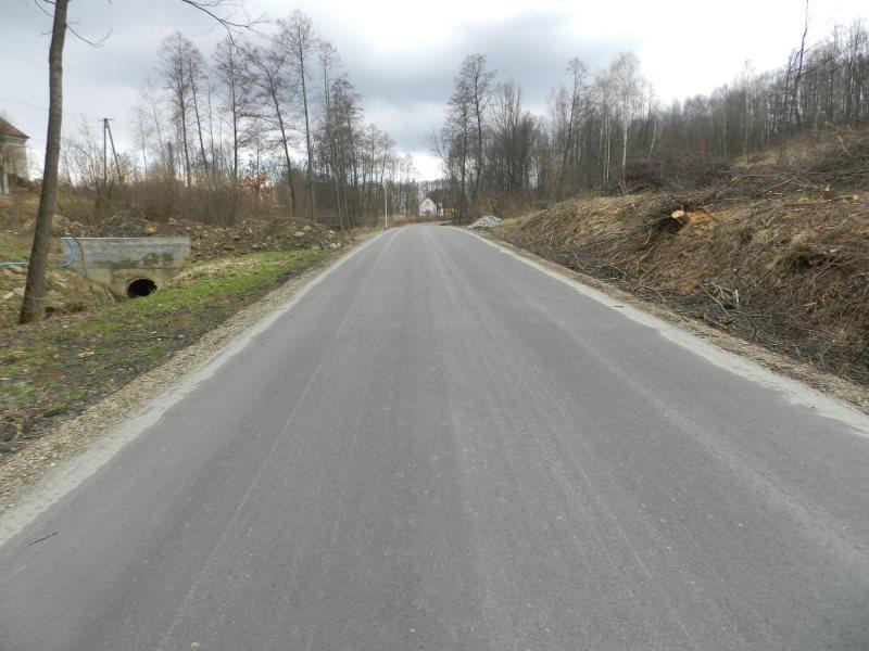 Przebudowano odcinek drogi powiatowej Konieczkowa - Lutcza